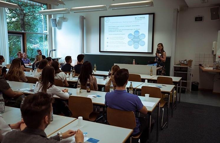 Auswahlgespräche 201 | Präsentation durch Leonie Hutter | © Universität Augsburg